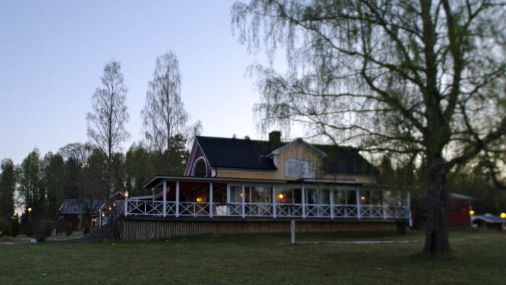 GROTESK SAK: Her på Haganäset Camping ble en 11-åring forsøkt drept fredag kveld. Foto: Daniel Laabak/Dagbladet