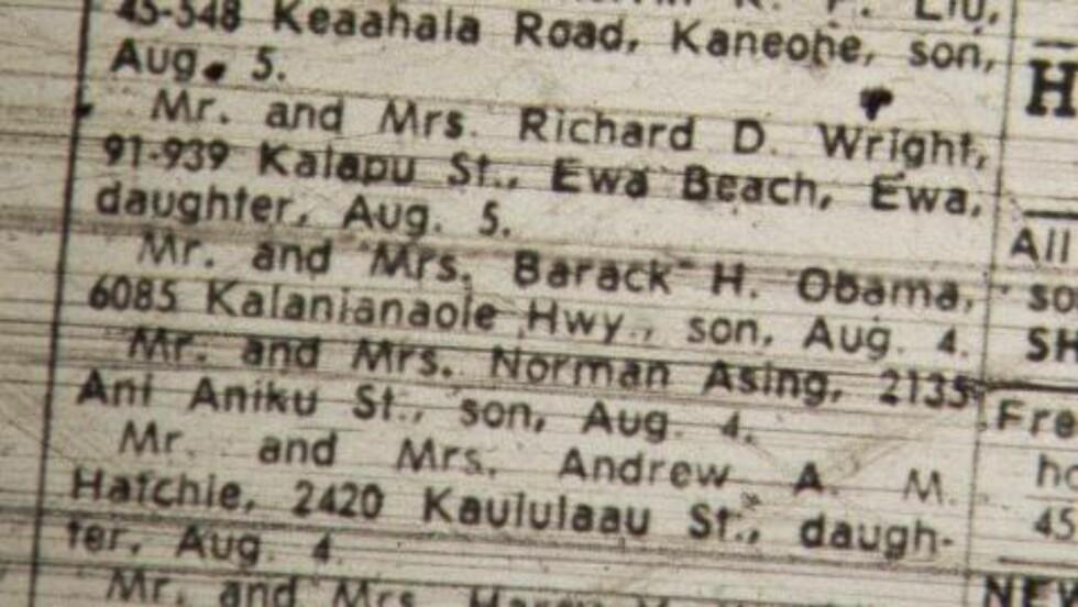 AVISKLIPP: Dette avisklippet fra søndag 13. august 1961, viser at hr. og fru Barack H. Obama har fått en sønn i Hawaii. Foto: AP Photo / Scanpix
