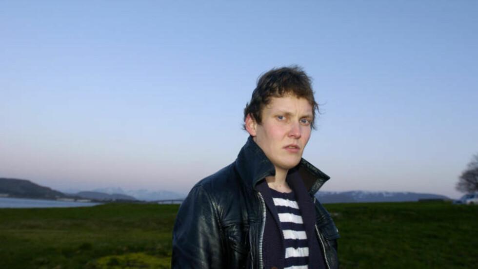 - ET SMERTEHELVETE: Geir Kristian Bjørneset (25) ble bitt av en flått i 2005. Det endret livet hans. Les ålesunderens beretning til høyre for artikkelen. Foto: FRIDGEIR WALDERHAUG/DAGBLADET
