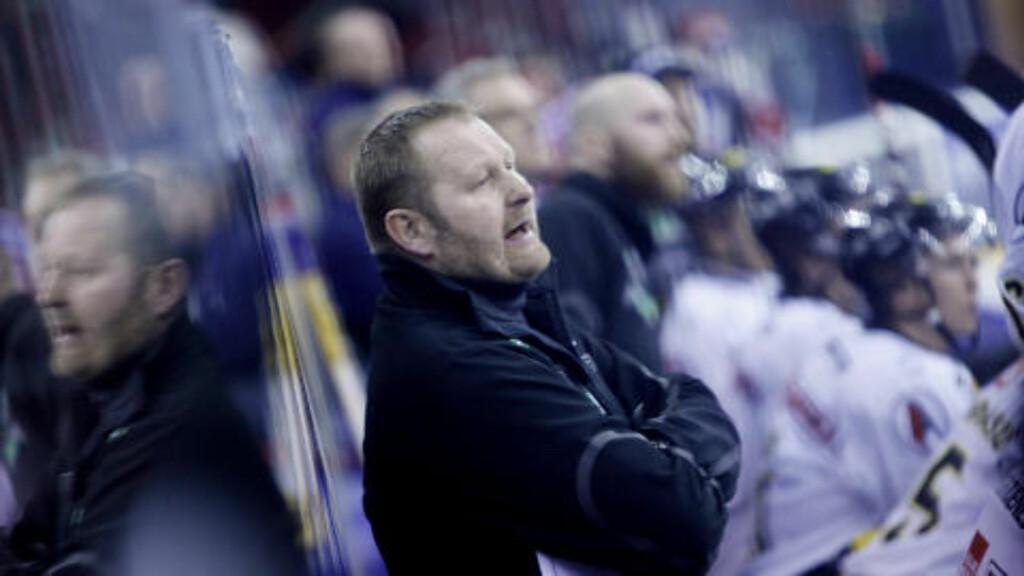 IMPONERT: Stavanger Oilers-trener Petter Thoresen mener Norge har klart å holde fokus på de spillerne som faktisk er med i VM, og ikke brukt tid på profilene som mangler. Foto: Kyrre Lien / Scanpix