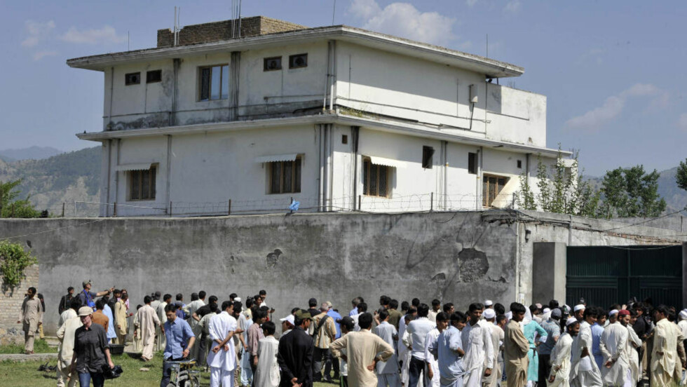 SKJULESTEDET:  I denne villaen i Abbottabad hadde Osama bin Laden skjult seg i lengre tid. Hva som virkelig skjedde bak murene natt til mandag, er fortsatt uvisst. Foto: AFP PHOTO/ AAMIR QURESHI