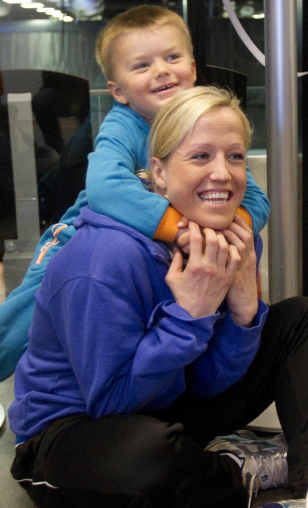 DRØMMEPUNKTUM: Heidi Løke gleder seg til å oppleve noe helt i Ungarn og Gy?r. - Men det hadde vært veldig gøy å avslutte i Larvik med et Champions League-gull. Løke topper toppscorerlista med 93 CL-mål foran de to finalekampene. Foto: Torbjørn Berg
