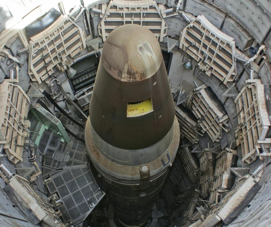 RAKETT SOM DETTE: En Titan II-rakett liknende denne, eksploderte i Arkansas i 1980. Rakettene var lenge blant USAs aller mest hemmelige våpensystemer. Her står raketten i en rakettsilo under bakken ved Tucson i Arizona, som i dag er omgjort til et museum. Foto: NTB Scanpix