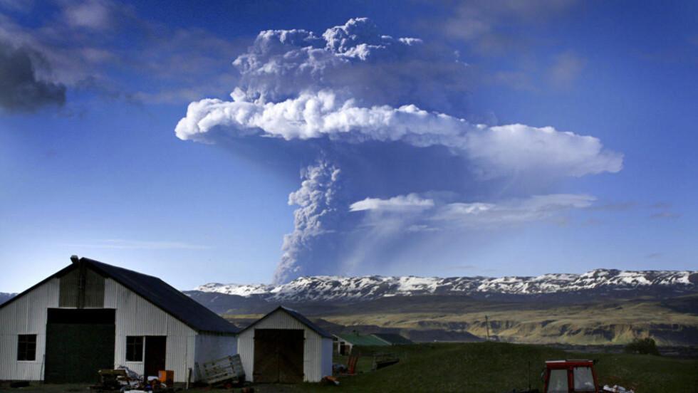 NYTT UTBRUDD PÅ ISLAND:  Vulkanen Grimsvötn på Island våknet til liv igjen i går kveld. Foto: AP Photo/Halldora Kristin Unnarsdottir/Scanpix