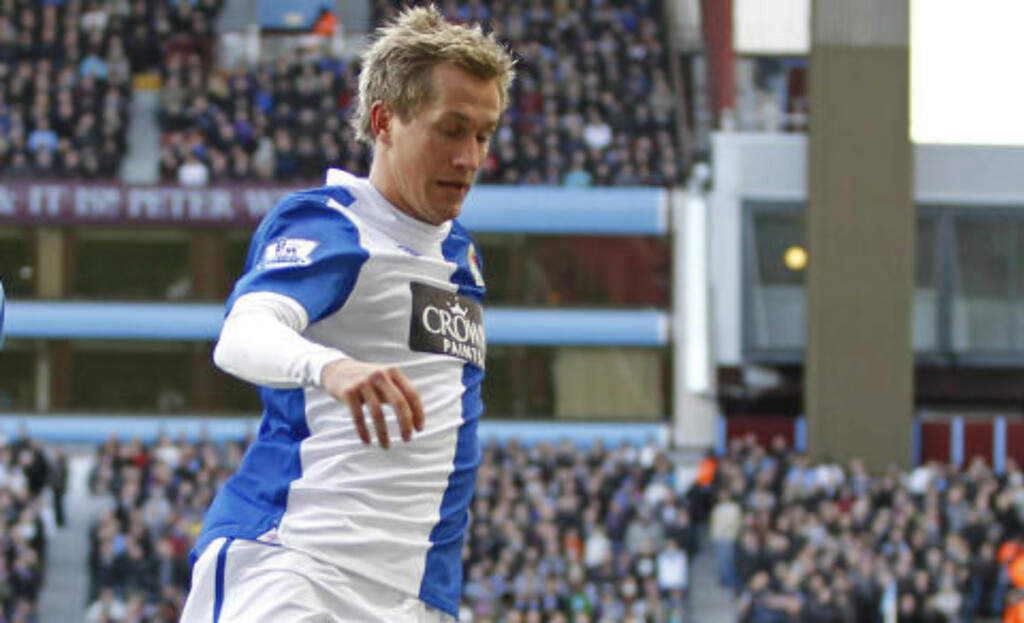SEIER: Morten Gamst Pedersen og Blackburn vant mot Wolves. Foto: AFP PHOTO/IAN KINGTON
