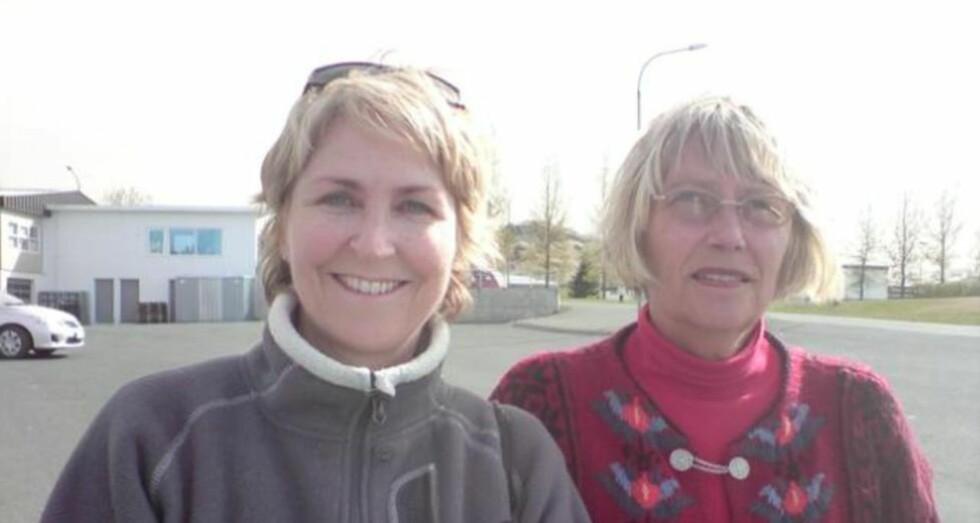 ASKEFAST: Randi Roaldsnes (t.h.) og Karen Sofie Haraldsen har blitt rammet av vulkanutbrudd på Island to ganger. Foto: Jorunn Sørensen