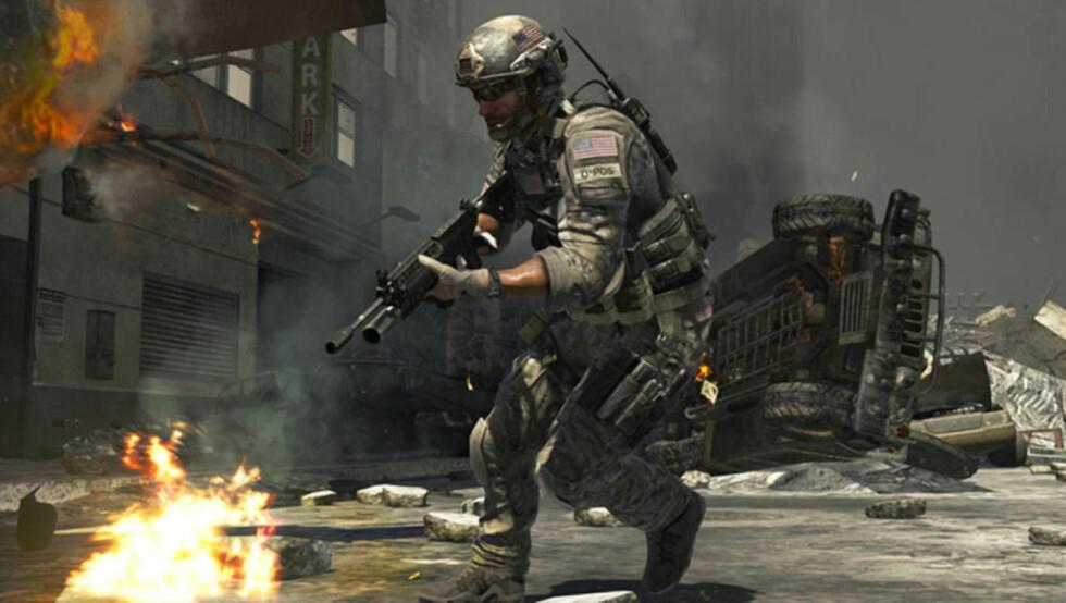 Oppbyggelig: De samme foreldrene som kjøper 18-årsgrensespillet «Call Of Duty: Black Ops» til 15-åringen, skal plutselig ha noe oppbyggelig når de går inn i bokhandelen, skriver kronikkforfatteren. Bildet er fra spillet «Call of Duty: Modern Warfare 3». Foto: Actavision/Scanpix