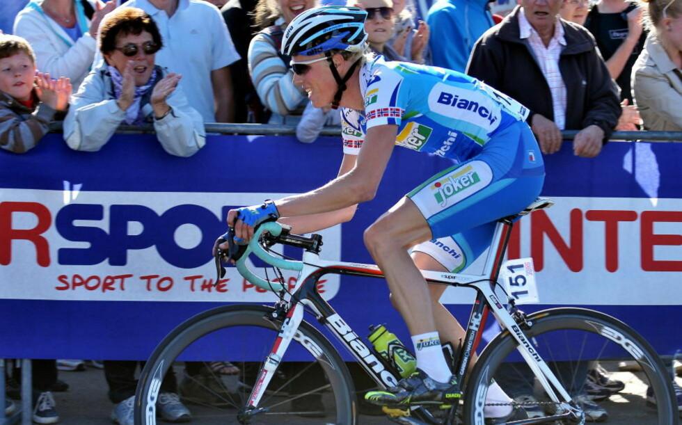 PÅ ETTERSKUDD: Joker Merida-rytter Christer Rake sier han var for langt bak da Johan Lindgren stakk av i den siste bakke på dagens etappe av Tour of Norway.Foto: Ned Alley / SCANPIX