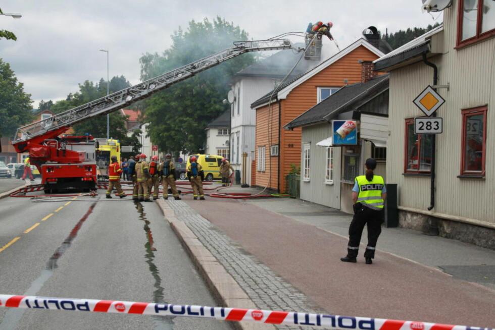 STORUTRYKNING: Så vel brannvesen som ambulanse og politimester Fossens medarbeidere ble utkalt til bolighuset i Hauges gate, et par steinkast fra Sykehuset Buskerud. Foto: OLE CHRISTIAN NORDBY / EIKERFOTO.NET