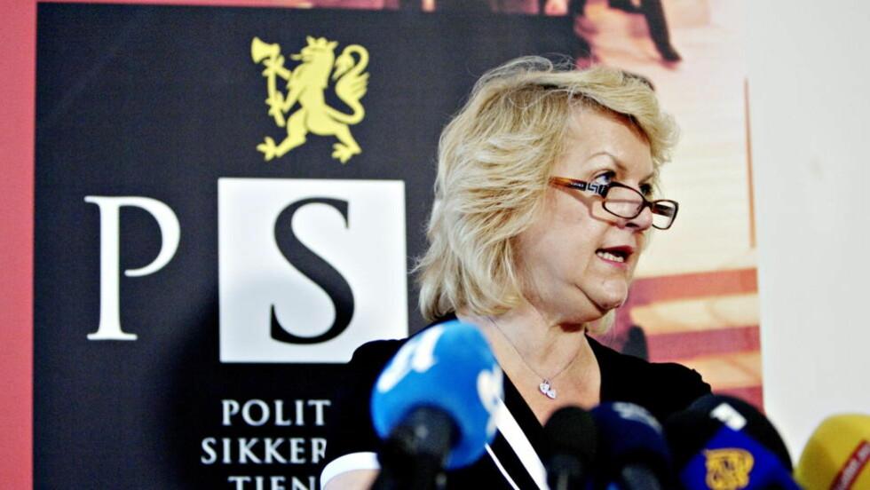 VIL FÅ FÆRRE TIPS: Ifølge Jensen er det trangere budsjetter som fører til at avdelingen spesielle operasjoner ved seksjon for organisert kriminalitet i Oslo politidistrikt nå kommer til å sende færre tips til Politiets sikkerhetstjeneste (PST), her ved PST-sjef Janne Kristiansen. Foto: TORBJØRN GRØNNING/DAGBLADET