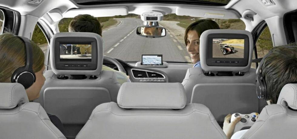 VINNERNE: Vi presenterer familiebilene som gjorde best inntrykk på oss i løpet av teståret 2010. Alt i alt ble 125 biler testet. FOTO: Peugeot