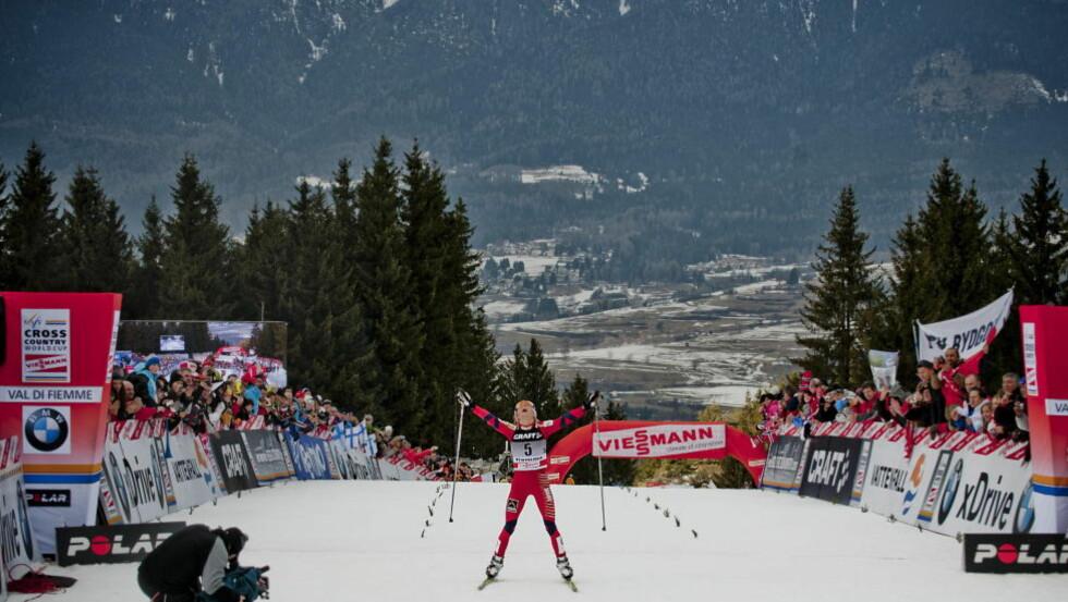 RÅ ETAPPE: Therese Johaug gikk raskest av alle i feltet opp monsterbakken i Val di Fiemme - hun slo til og med mange av gutta. Foto: THOMAS RASMUS SKAUG