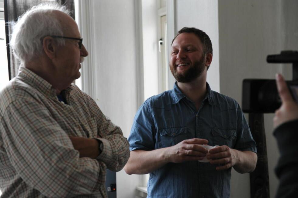 SATSER LIV OG LEMMER: Regissør Geir Greni har tatt opp millionlån for å bli spillefilmregissør. Her fra innspillingen av «Umeå4Ever» med skuespiller Jon Skolmen.
