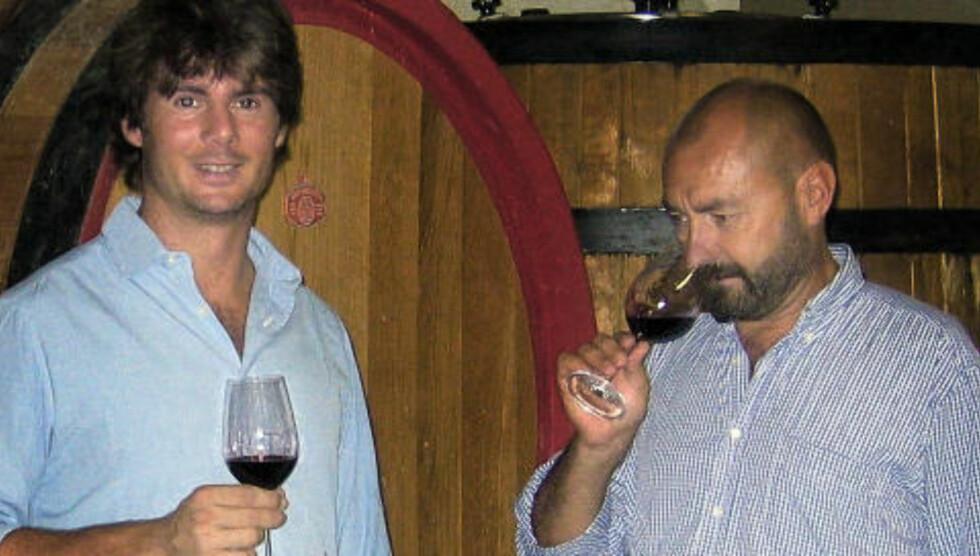 ENOLOGER: Guido Zampaglione og Giulio Armani, som lærte Guido å lage vin. Du kan smake på resultatet i den oransje Grillo Baccabianca 2005 fra Piemonte.