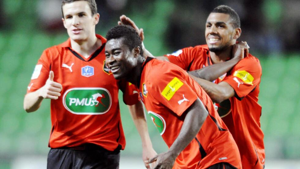 SCORING OG ASSIST: Alexander Tettey scoret det første målet da Rennes lørdag lekte seg til 4-0 hjemme mot Arles. Her fra en tidligere kamp. Foto: SCANPIX / AFP PHOTO DAMIEN MEYER