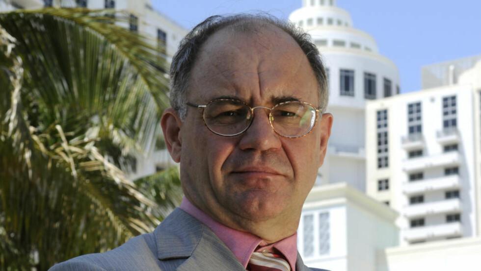 VIL AVSLØRE DE RIKE: Rikingene bør skjelve når de ser denne mannen. Han vil i morgen gi Wikileaks detaljer om 2000 bankkontoer i den sveitsiske privatbanken Julius Bär. Foto: Jim Stem
