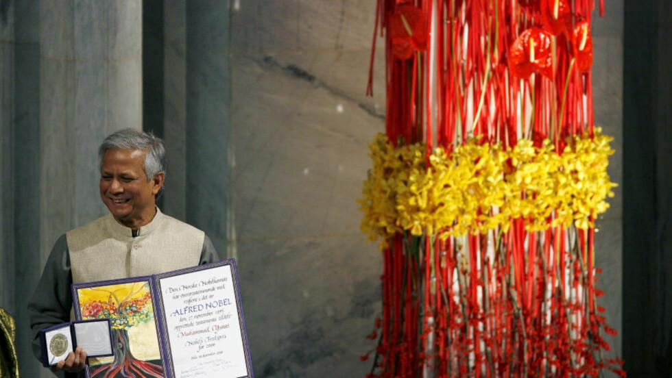 OSLO RÅDHUS 10. DESEMBER 2006:  Muhammas Yunus mottar Nobels fredspris. FOTO: SARA JOHANNESSEN, SCANPIX.