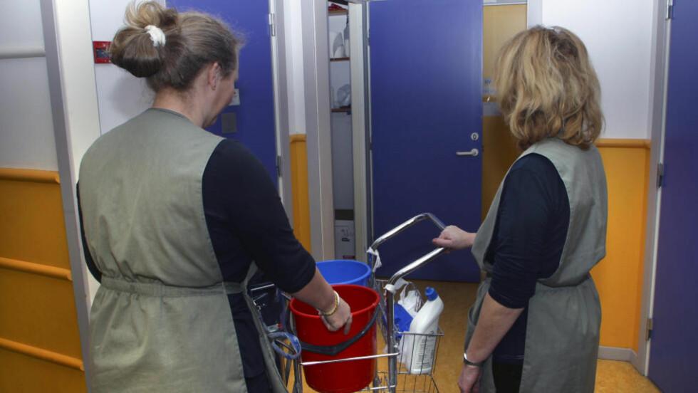 UNDERBETALTE: Flere som er ansatte for Oslo kommune tjener mindre enn tariff når de vasker for kommunen gjennom byrået Adecco. Illustrasjonsbilde: SCANPIX