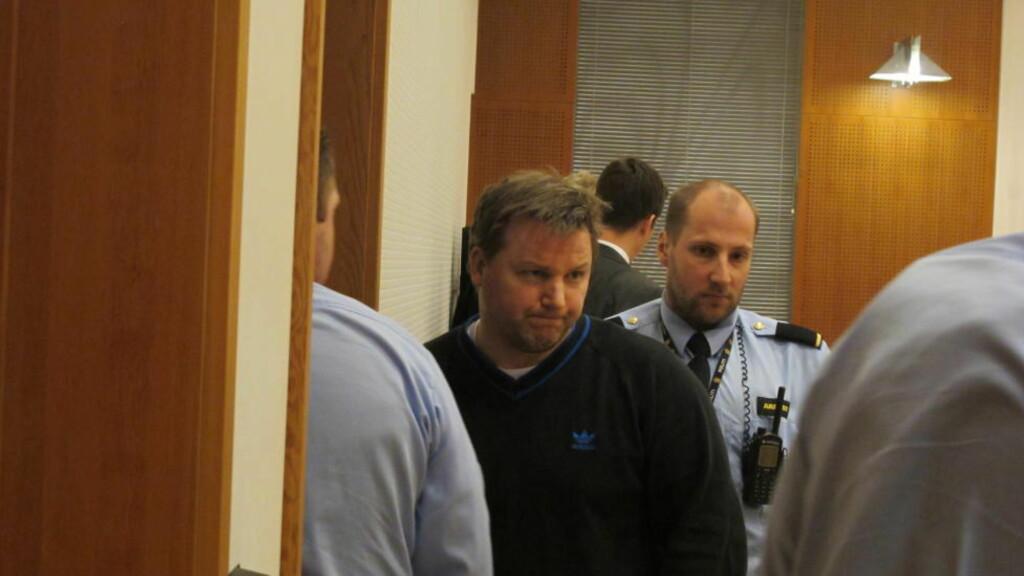 SKREV HUSKELAPPER: Politiet konfronterte i dag drapstiltalte Stig Millehaugen (41) med huskelapper som nevnte tennveske. Foto: Jonas Sverrisson Rasch