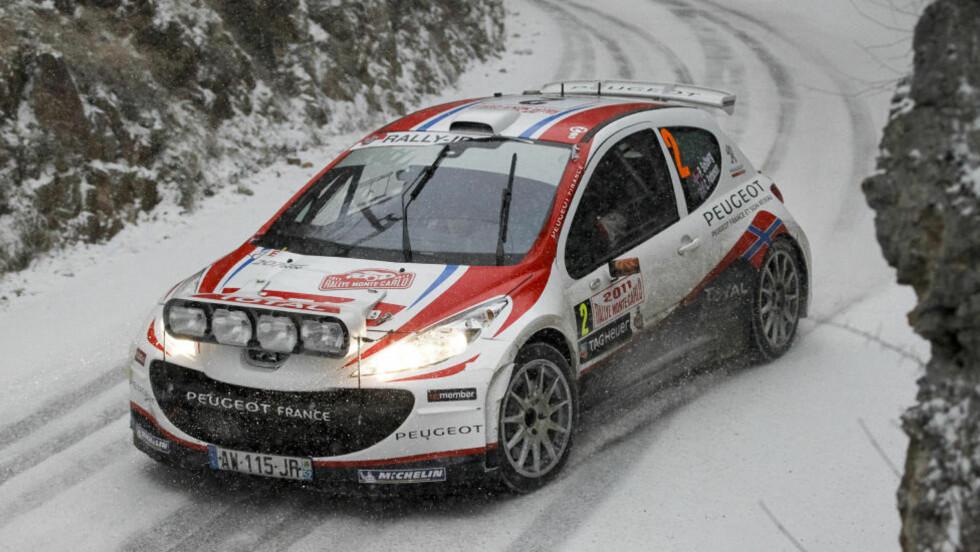 NEDSNØDD: Petter Solberg valgte feil dekk da det ble snøvær i Rally Monte Carlo, og falt til sjuendeplass i sammendraget. Foto: Robert Pratta, Reuters/Scanpix
