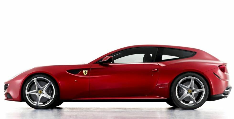 STOR:< Ferrari FF er en stor og rommelig bil, og med fire seter, stort bagasjerom, sprek V12 og firehjulsdrift bør den fungere til det meste. Foto: Ferrari