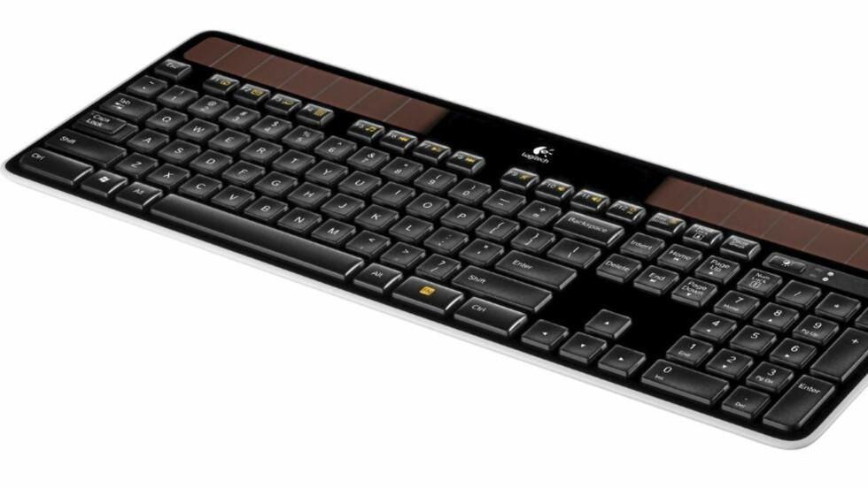 PADDEFLATT: Logitechs nye trådløse tastatur lades av lampene i rommet, og er under en centimeter tykt. Knut Arild Vold, HjemmePC