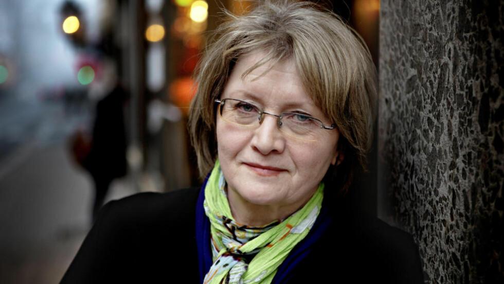 BOKAKTUELL: Eva Gabrielsson har skrevet bok om livet med Stieg Larsson. - Hele sitt liv ville han hjelpe fram andre. Det endte med at han slet seg ut. Han drev seg i døden, sier hun til Dagbladet.  Foto: Lars Eivind Bones / Dagbladet