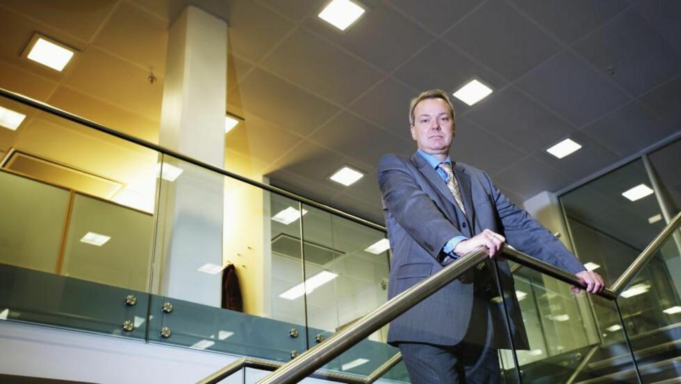 KRITISK: Advokat Thomas Meinich mener forsikringsselskapene kjører et rått løp mot syke og skadde for å slippe å utbetale uførekapitalforsikring. Foto: Advokatfirmaet Steenstrup Stordrange