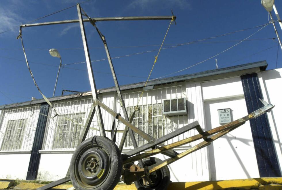 KATAPULT: Katapulten ble funnet i byen Aguaprieta, nær grensa til USA. Foto: REUTERS/Stringer/Scanpix