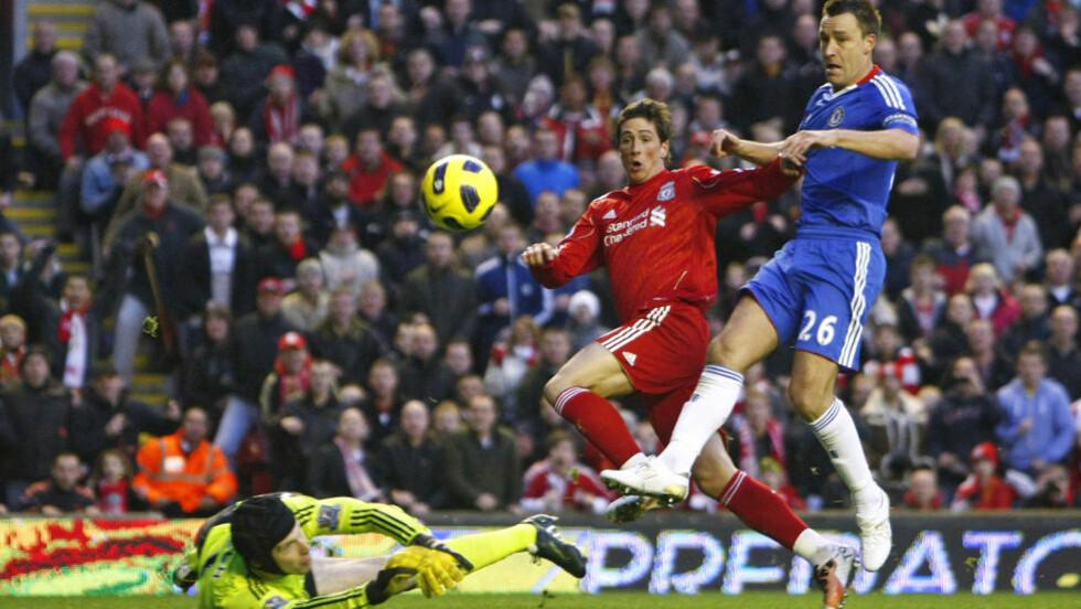 REKORDBUD: Fernando Torres scoret da Liverpool møtte Chelsea i november. Nå har London-klubben forsøkt å hente spissen til Stamford Bridge.Foto: SCANPIX/AP/Tim Hales
