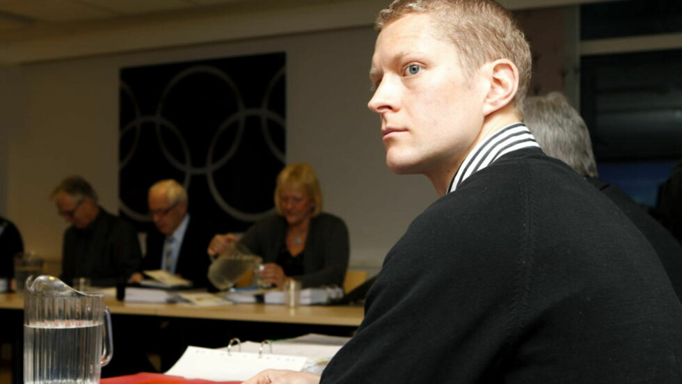 DØMT: Erik Tysse under saken mot ham i domsutvalget i  Norges Idrettsforbund for tre uker siden. Tysse er utestengt fra all idrett i to år fra og med han ble suspendert 8. juli etter å ha testet positivt på cera. Foto: Cornelius Poppe, Scanpix