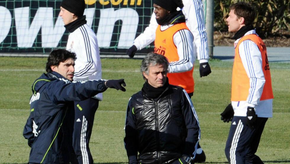 MYE Å TENKE PÅ: José Mourinhos Real Madrid har mistet litt av kontakten med Barcelona i La Liga.Foto: SCANPIX/AFP/DOMINIQUE FAGET