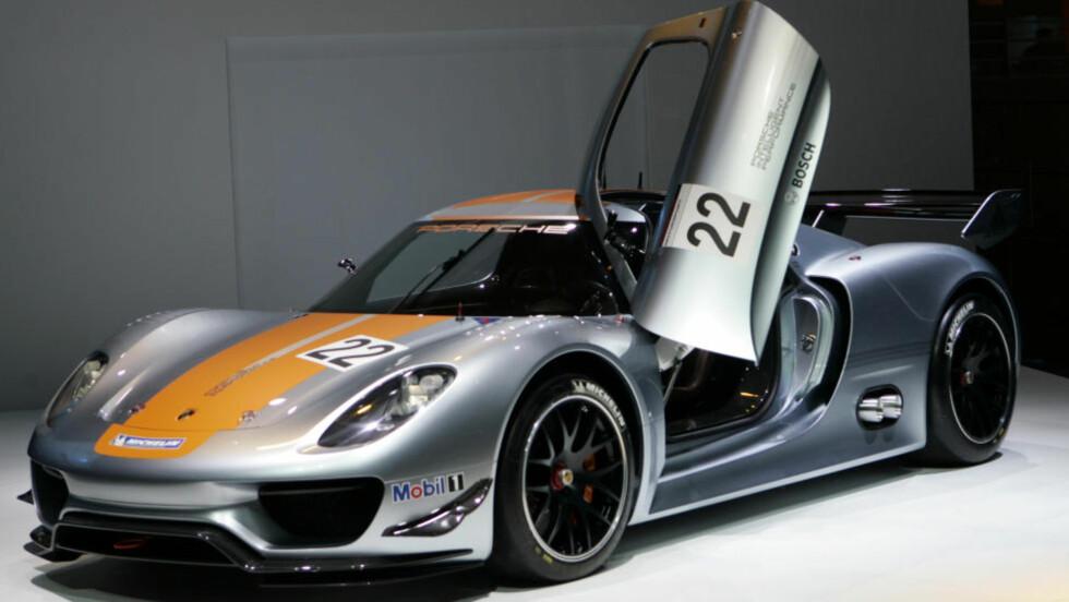 I KINESERNES SØKELYS:  Porsche introduserte  918 RSR på en internasjonal bilmesse i Detroit i januar. Nå vurderer den tyske bilprodusenten å åpne fabrikk i Kina. FOTO: REUTERS/SCANPIX.