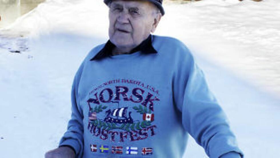 SONDRESLEKT: 90 år gamle Eivind Strondis' tippoldefar, var bror til Sondre Øverbø Norheim. Foto: OLE C. H. THOMASSEN