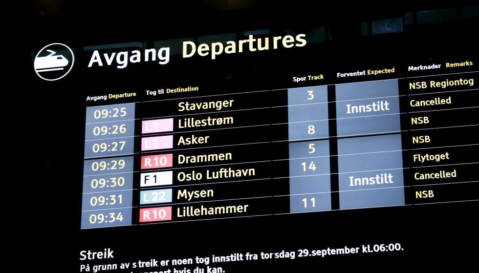 INNSTILT: Nesten 150 tog innstilt som følge av at 71 lokførere er tatt ut i streik. Foto: Lise Åserud / NTB scanpix