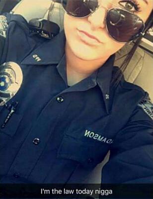 FIKK SPARKEN: Melissa Adamson mistet jobben da dette gamle snapchatinnlegget spredte seg på sosiale medier denne uka. Foto: Skjermdump