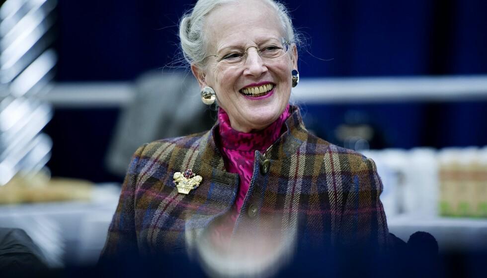 BLIR SITTENDE: Dronning Margrethe av Danmark sier at hun vil fortsette som regent. FOTO: Keld Navntoft / NTB Scanpix