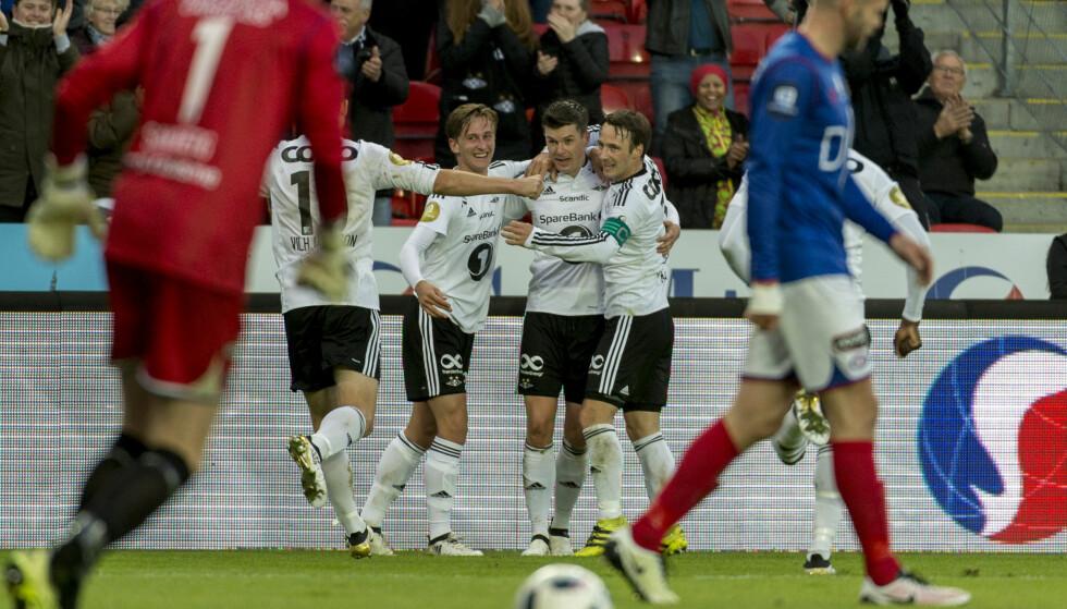 SEIER: Rosenborgs gutter jubler etter 2-0 av Pål André  Helland. Foto: Ned Alley / NTB scanpix