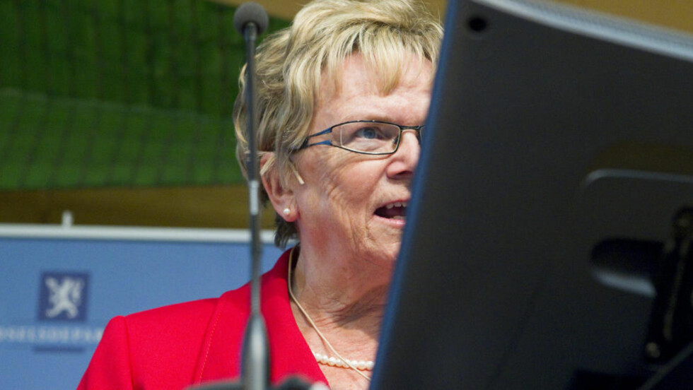 MOTSTANDER:  Samferdselsminister Magnhild Meltveit Kleppa (Sp) er motstander av Arbeiderpartiets standpunkt i spørsmålet om datalagringsdirektivet. FOTO: BERIT ROALD, SCANPIX.