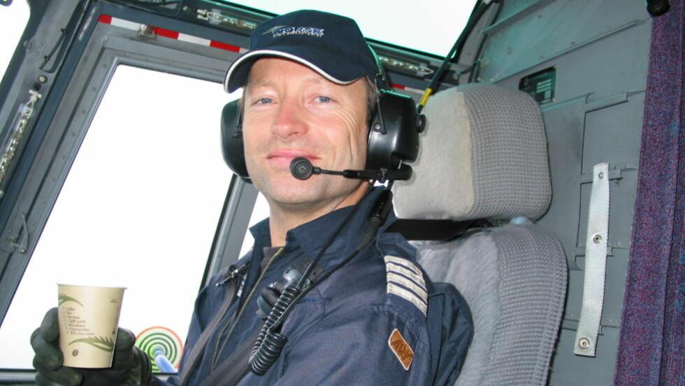 UNG OG ARBEIDSUFØR: Etter halvannet år bak spakene i Sikorsky S-92 ble Trond Rasmussen hundre prosent arbeidsufør med invalidiserende tinnitus og støyallergi. Nå krever han millionerstatning. Foto: Privat