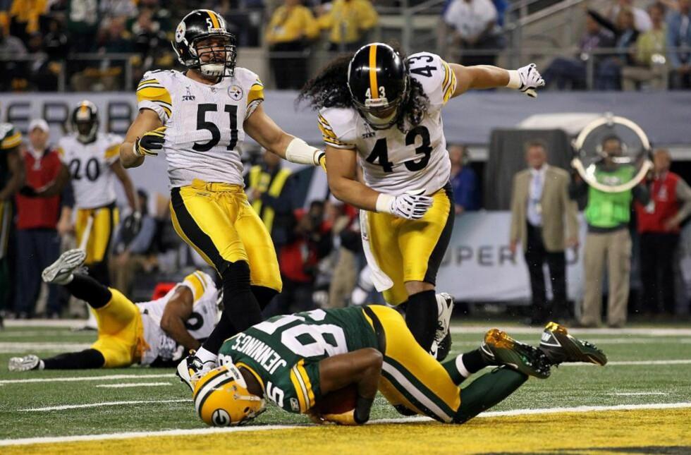 SUPER BOWL-NEDERLAG: Troy Polamalu klarte ikke hindre denne touchdownen fra Greg Jennings.Foto: AL BELLO/GETTY IMAGES/AFP