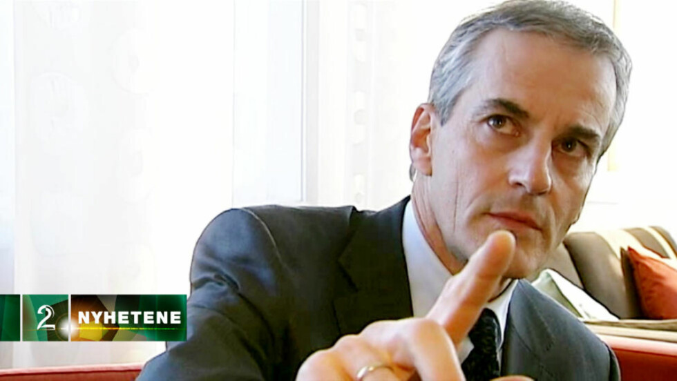 Utenriksminister Jonas Gahr Støre ber TV2 sin reporter Pål T. Jørgensen stoppe intervjuet, når han blir spurt om han har hatt møte med Hamas-leder Khaled Meshaal. Foto: TV 2