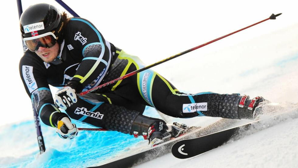 SNART DIN TUR: 123 renn uten å ha klatret til topps til tross, Kjetil Jansrud kan fort ta VM-gull i storslalåm. Foto: JOE KLAMAR/AFP