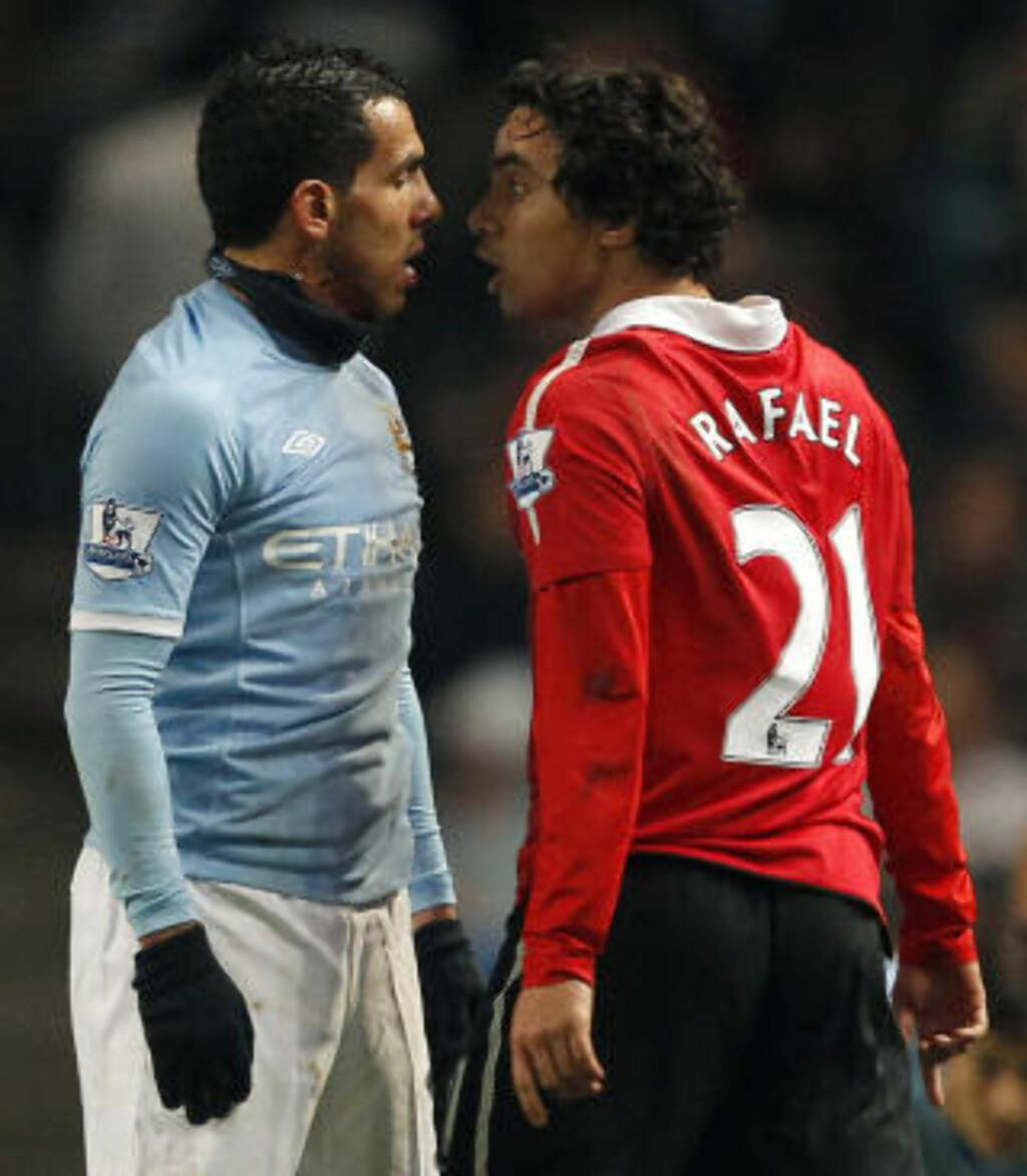 AMPERT: Tevez og Rafael yppet mot hverandre da lagene møttes i høst. Foto:  REUTERS/Phil Noble