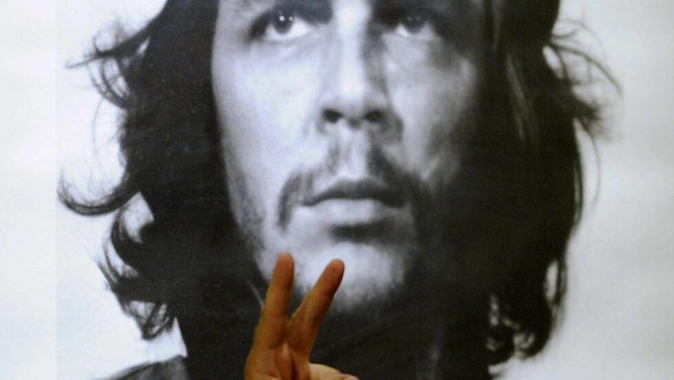 HELTESTATUS: Til tross for Che Guevaras brutalitet, bruker mange Che som et ikon for å uttrykke egne politiske standpunkter, skriver forfatteren. Foto: Scanpix