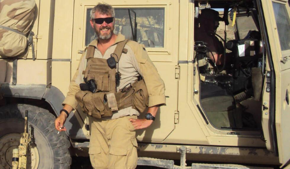 VAR SPIONLEDER: Fredag kunne VG avsløre at Norge i ti år har hatt en hittil ukjent, norsk spionorganisasjon kalt E 14. Kronikkforfatteren mener det er for stor anledning til å hemmeligholde informasjon om dette for myndighetene. På bildet marinejeger Trond Andre Bolle (i midten) som ble drept på oppdrag i Afghanistan, og nå har fått krigskorset for sin innsats. Han var med i E 14. Foto: PRT Meymaneh / SCANPIX