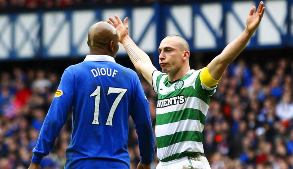 <strong>PROVOKASJON:</strong>  Scott Brown bråsnudde seg mot El-Hadji Diouf så fort han så langskuddet fly inn til 2-2. Celtic-kapteinen måtte dras vekk av lagkameratene. Foto:  REUTERS/David Moir