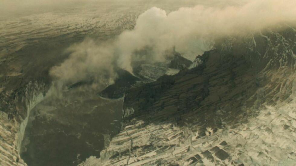 Flere jordskjelv: Seismisk aktivitet rundt vulkanen Bardarbunga på Island tyder på at noe er i ferd med å skje. her fra 2008 hvor vulkanen har smeltet deler av isbreen til en innsjø. Foto: Scanpix