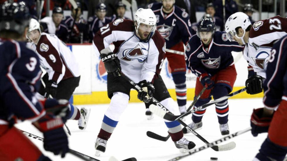 TILBAKE I MANESJEN: Den svenske hockeylegenden Peter Forsberg gjorde NHL-comeback for gamleklubben Colorado Avalanche i natt.Foto: SCANPIX/REUTERS/Matt Sullivan