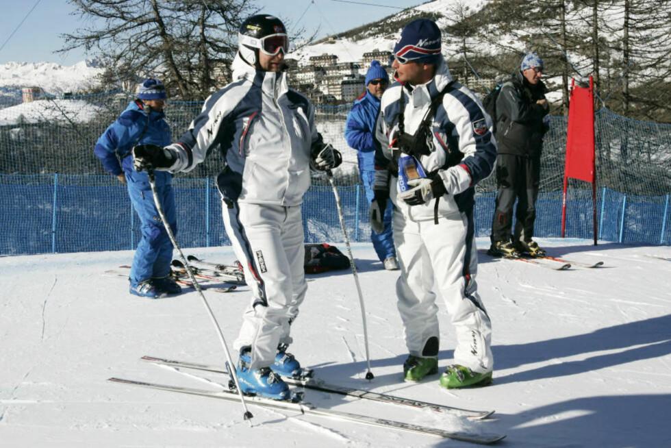 STERK EKSPERTDUO: NRK-ekspertene Marius Arnesen (t.h.) og Kjetil André Aamodt leverer varene under alpin-VM i Garmisch-Partenkirchen, skriver Morten P.Foto: Tor Richardsen / SCANPIX .